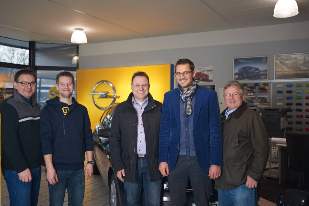 Das Bild zeigt v.l. Tobias Robischon, Thorsten Lewold, Alexander Hahn, Daniel Stumpp (Opel Brass) und Rüdeger von Lutzau.